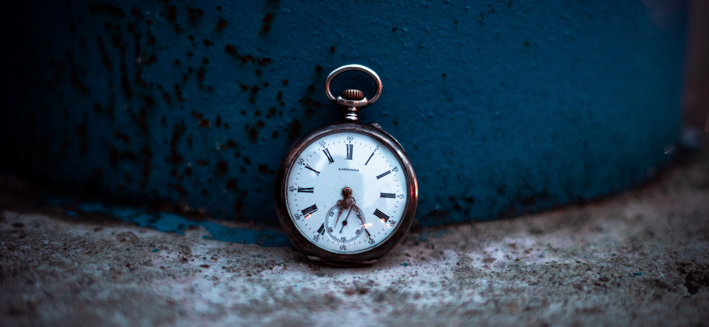 Pocket Watch Hd Wallpaper Iphone X Hd Wallpaper