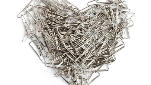Heart shape of paper clips HD Wallpaper
