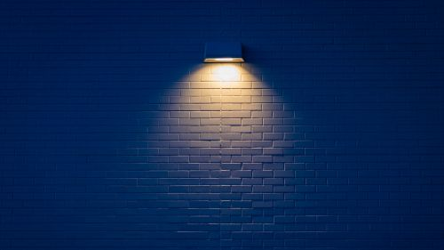 Lamp at the wall HD Wallpaper