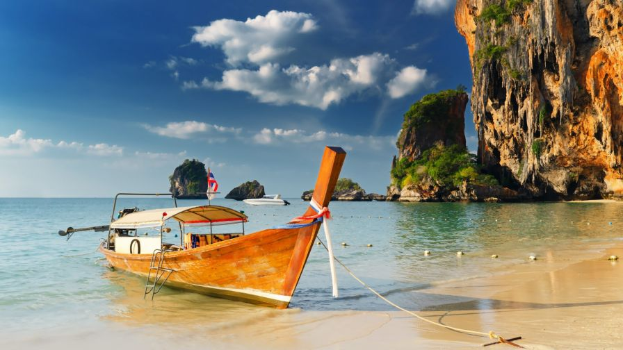 Thailand's Most Charming Seaside Resort Town HD Wallpaper