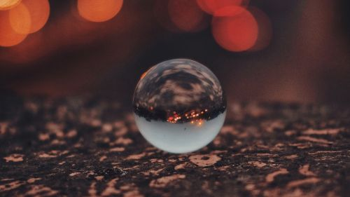 Transparent crystal ball reflection HD Wallpaper