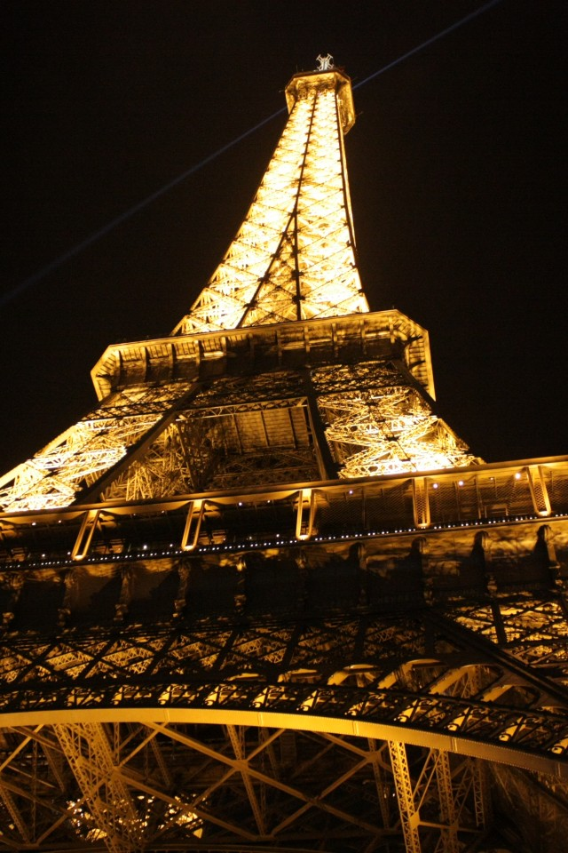 Eiffel Tower At Night Wallpaper For Desktop And Mobiles Iphone 4