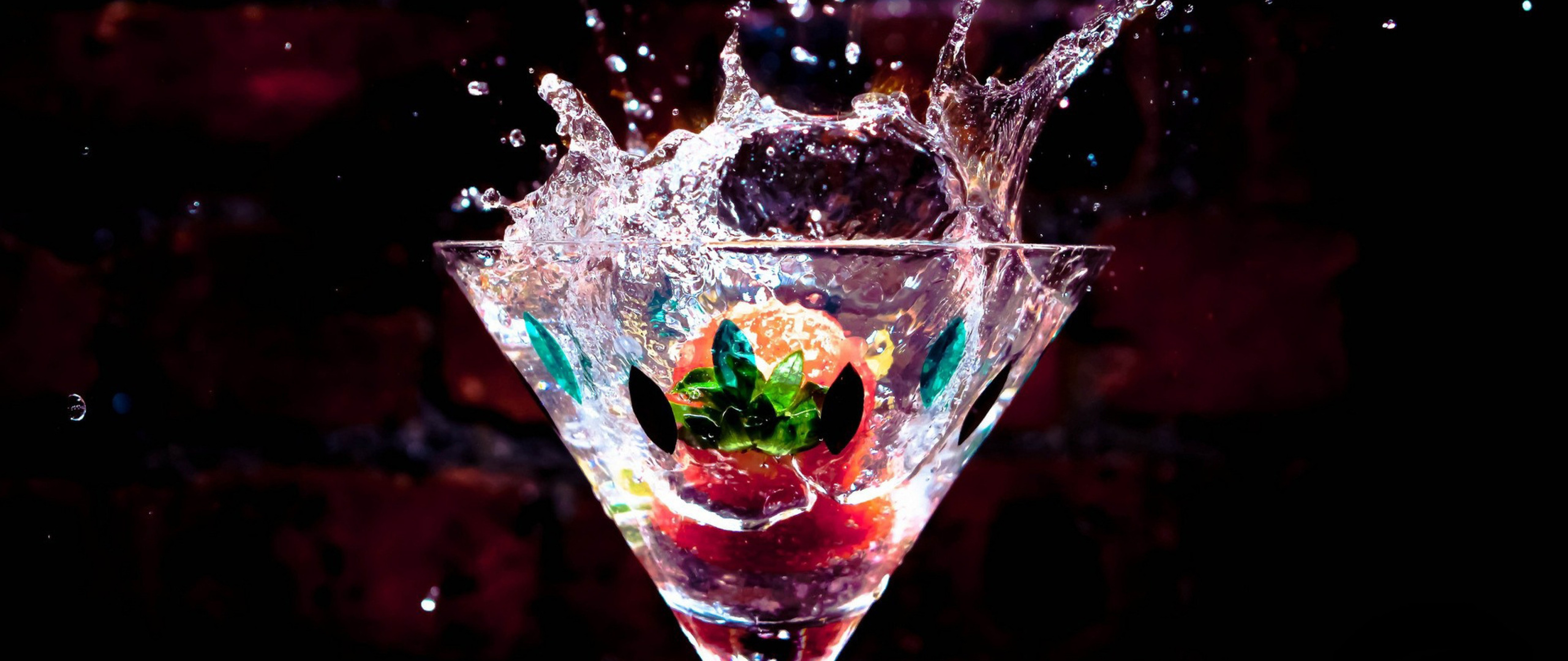 Drink Splash Hd Wallpaper for Desktop and Mobiles