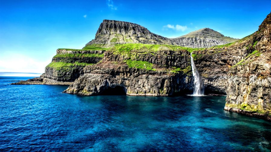 Free Hawaii Waterfall Desktop and Mobile HD Wallpaper
