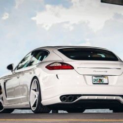 Porsche Panamera Car Hd Wallpaper for Desktop and Mobiles