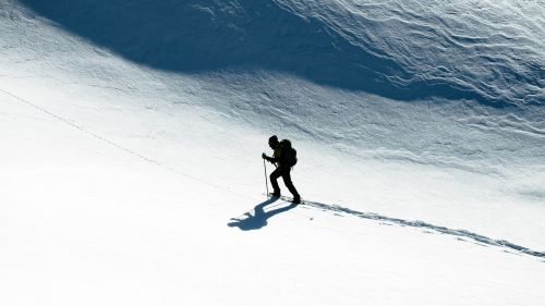 Skier at the mountain HD Wallpaper
