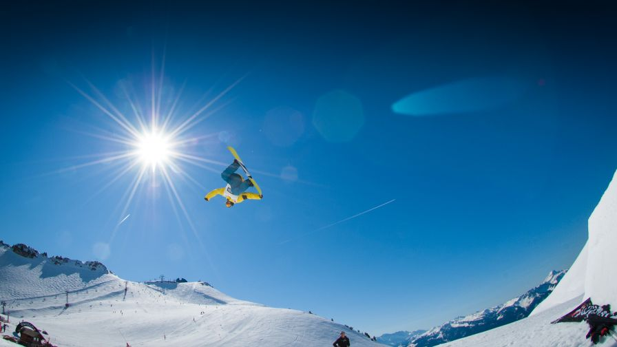 Snowboarding Hd Wallpaper for Desktop and Mobiles