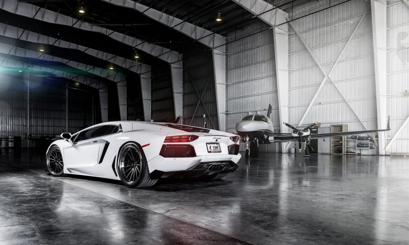 White Lamborghini Aventador Full Hd Wallpaper for Desktop and Mobiles